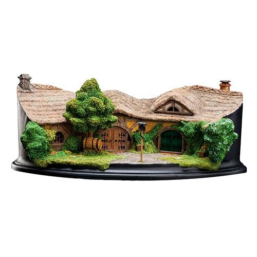 Diorama Posada Dragon Verde 22 Cm